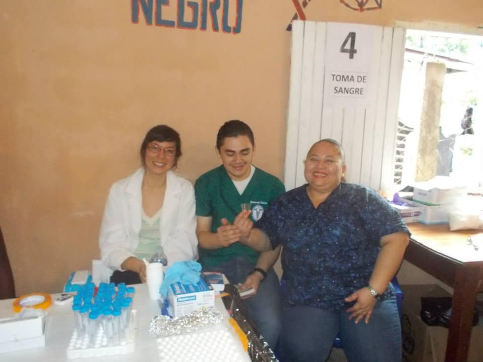 Kriste Beaty with colleagues from the Universidad Catolica de Honduras, collecting samples in Trujillo, Honduras - Jan 2014